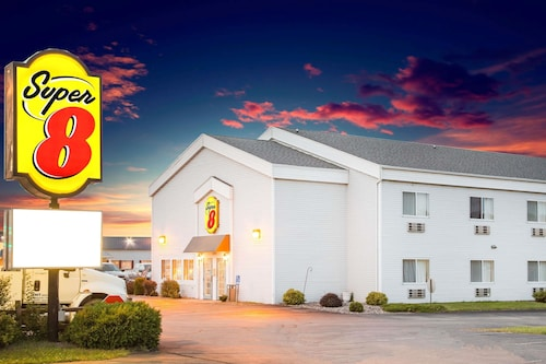 Great Place to stay Super 8 by Wyndham Prairie Du Chien near Prairie Du Chien