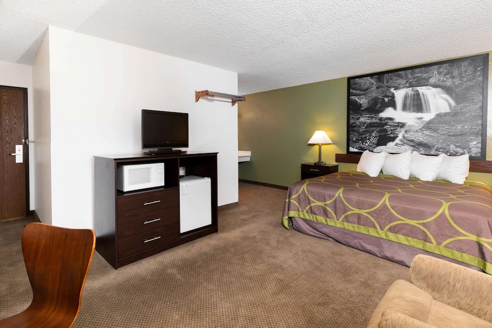 Room, Super 8 by Wyndham Missoula/Brooks Street