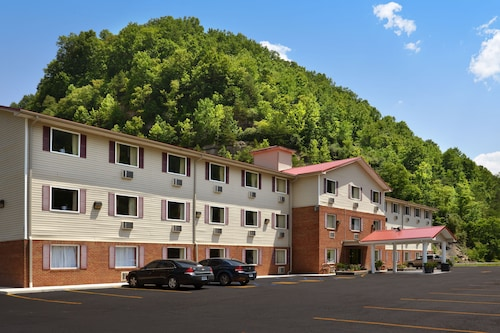 Super 8 by Wyndham Prestonsburg