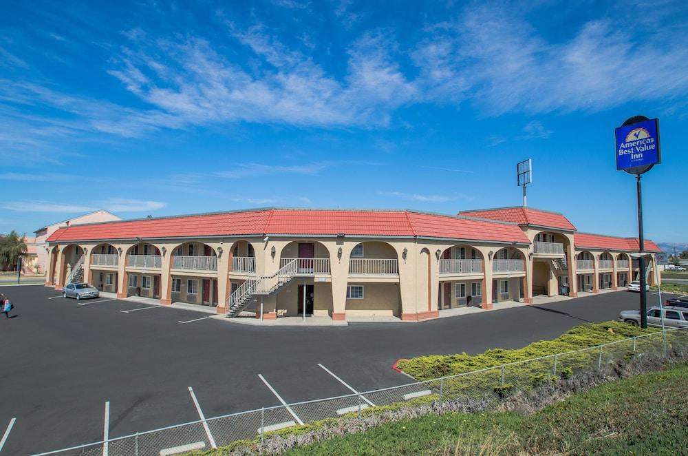 Best Value Hotels In Monterey