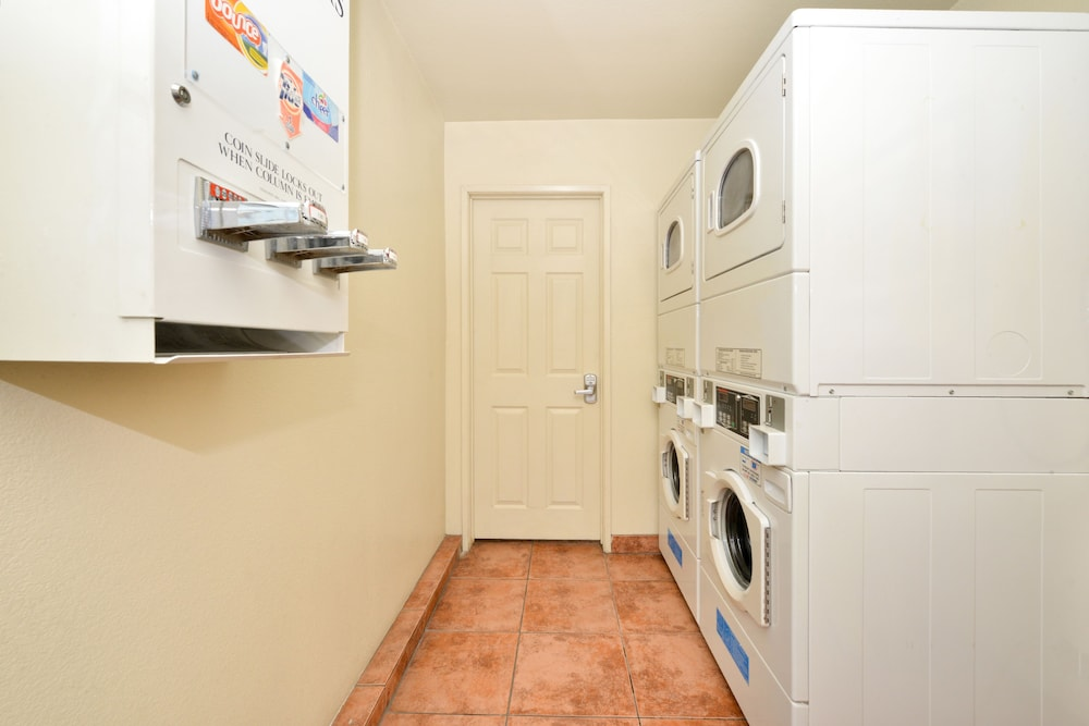 Laundry Room, Americas Best Value Inn & Suites El Monte Los Angeles