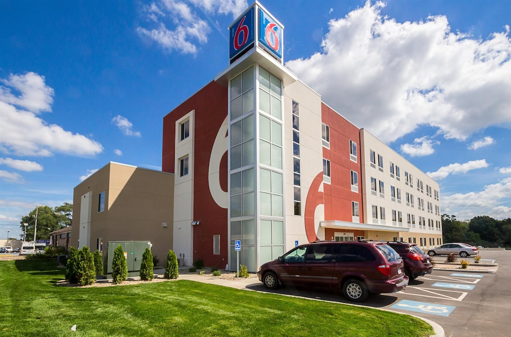 Featured Image, Motel 6 South Bend, IN - Mishawaka