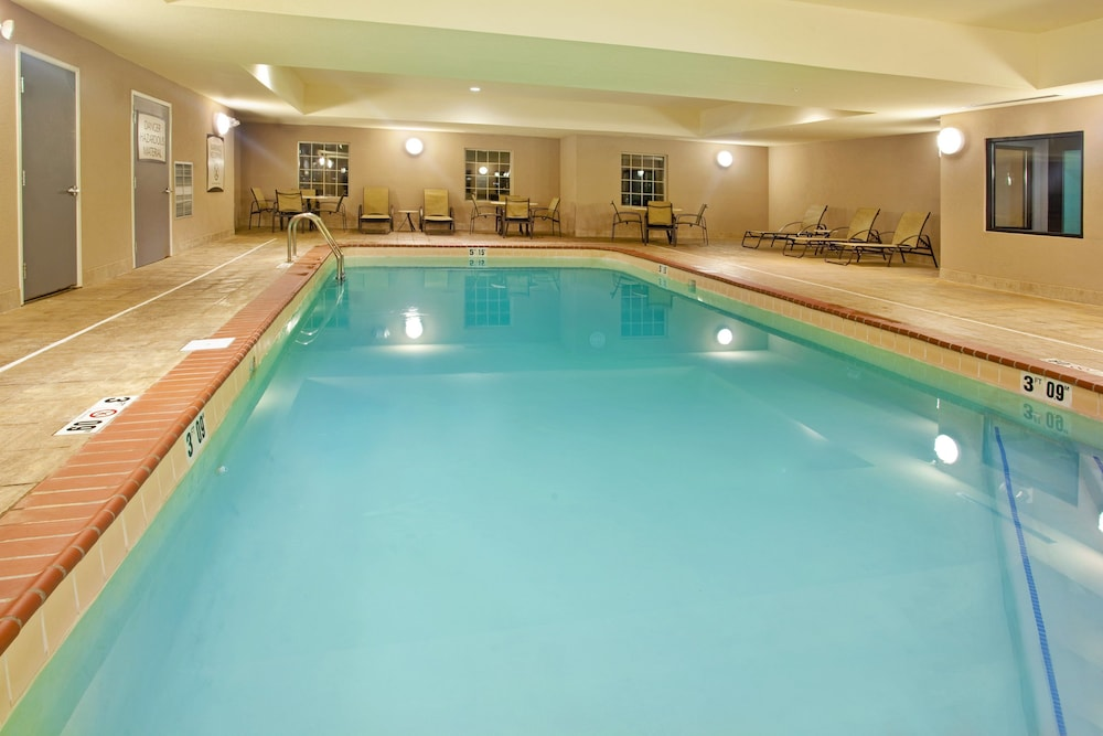 Pool, Staybridge Suites Elkhart