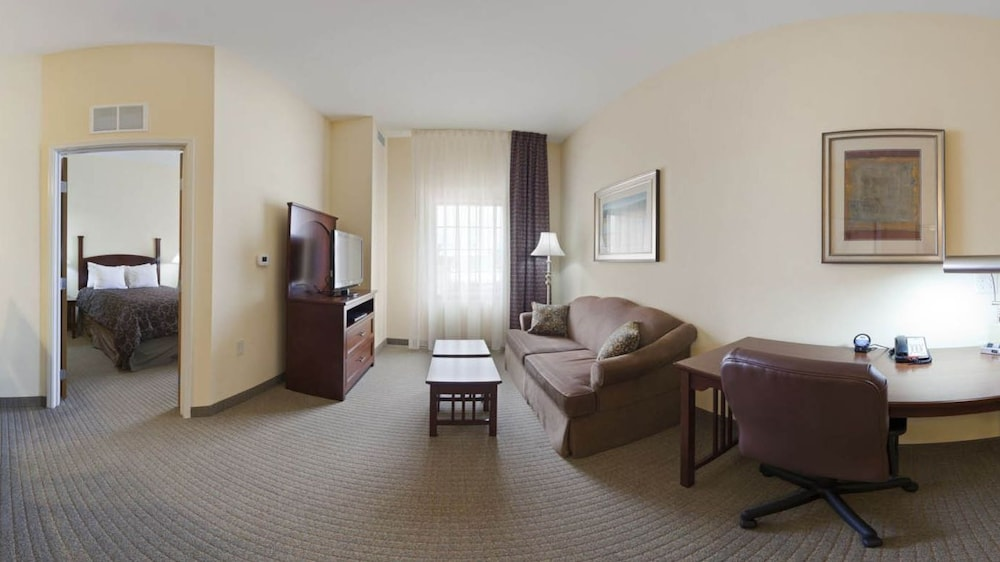 Living Area, Staybridge Suites Elkhart