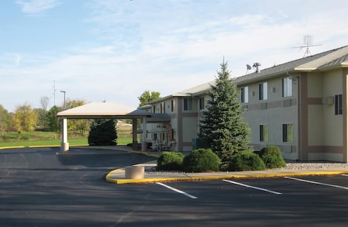 Americas Best Value Inn Charlotte, MI