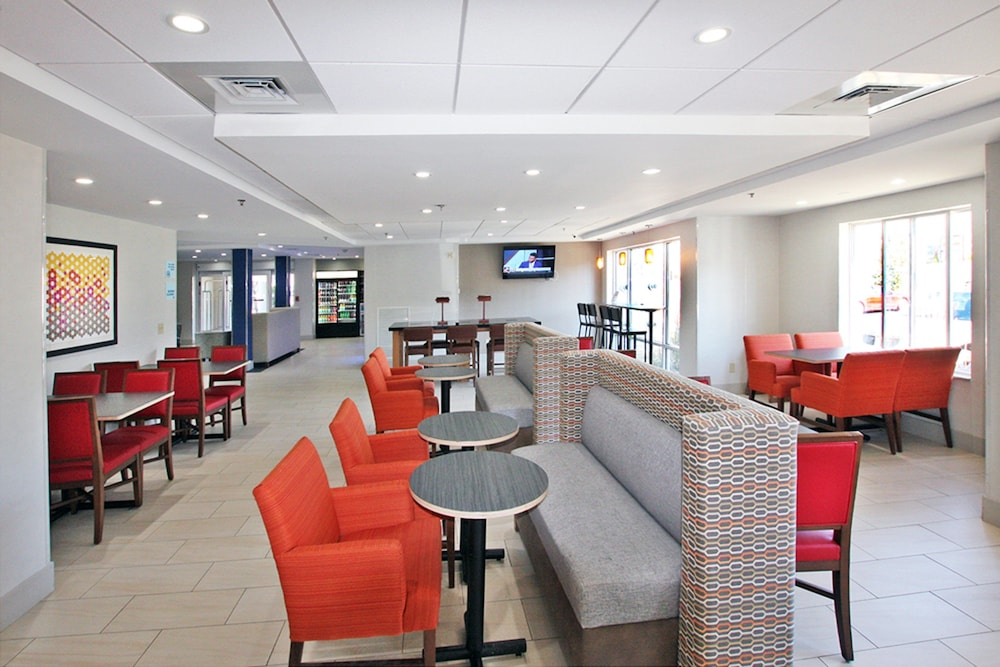 Restaurant, Holiday Inn Express Branford-New Haven