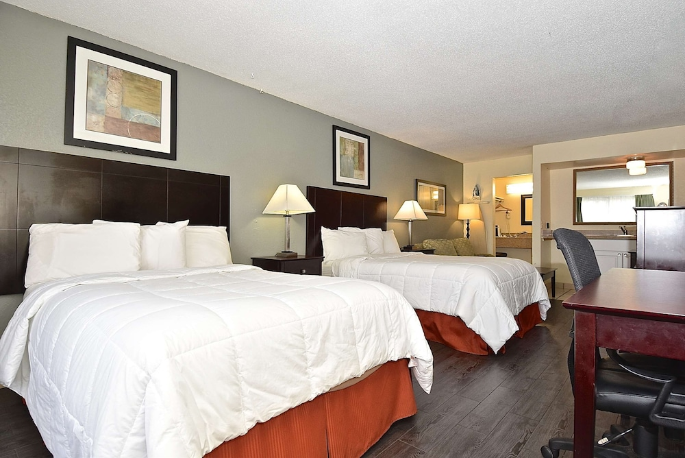 Room, SureStay Hotel by Best Western Sarasota North