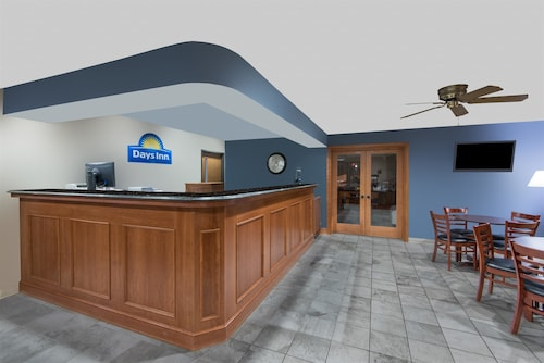 Days Inn by Wyndham Wooster