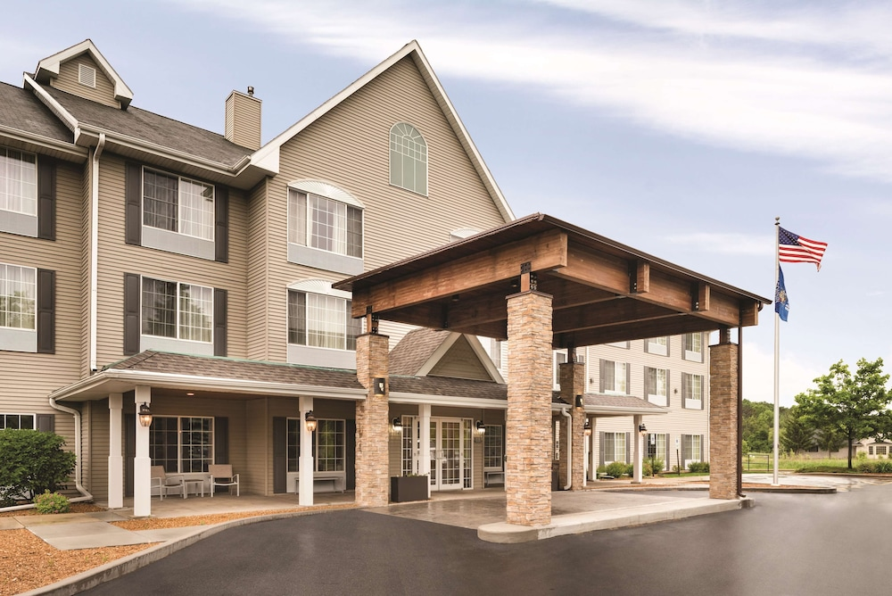 Featured Image, Country Inn & Suites by Radisson, West Bend, WI