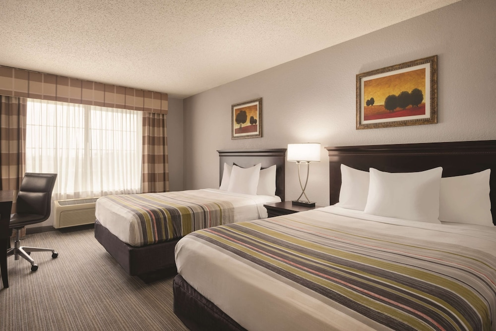 Room, Country Inn & Suites by Radisson, West Bend, WI