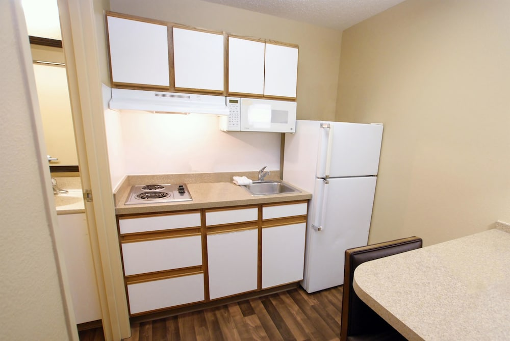 Private Kitchen, Extended Stay America San Diego - Sorrento Mesa