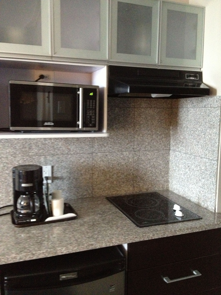 Private Kitchenette, Capital CityCenter Hotel
