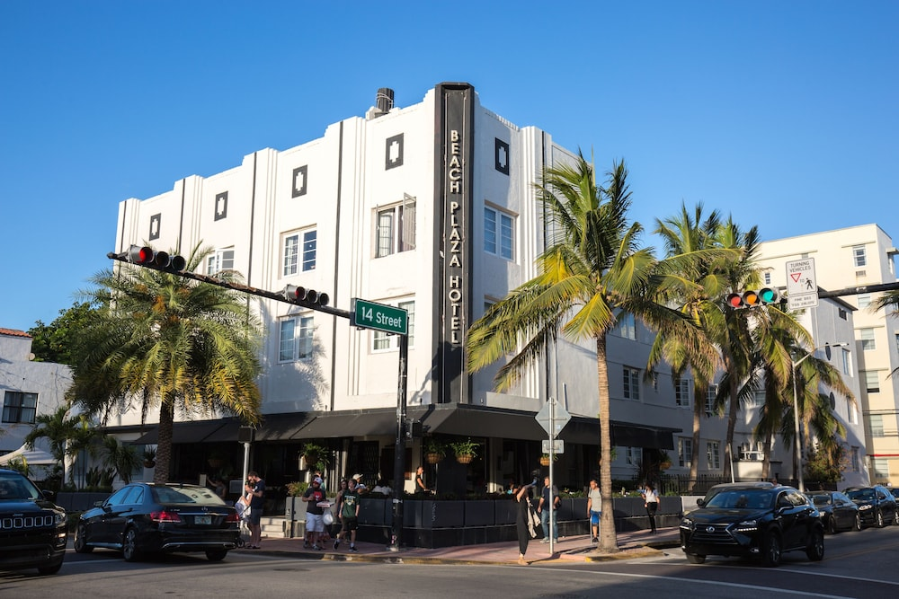 Front of Property, South Beach Plaza Hotel