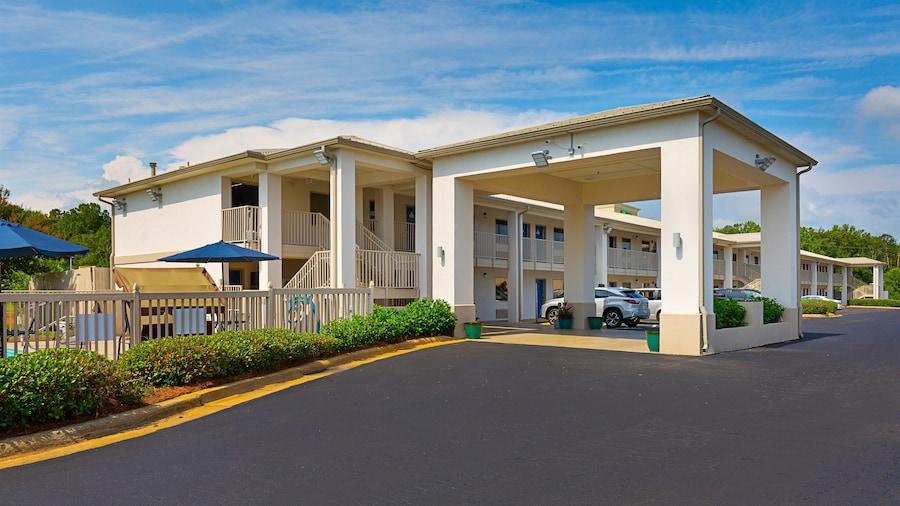 Motel 6 Albany, GA