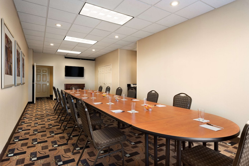 Meeting Facility, Country Inn & Suites by Radisson, Evansville, IN