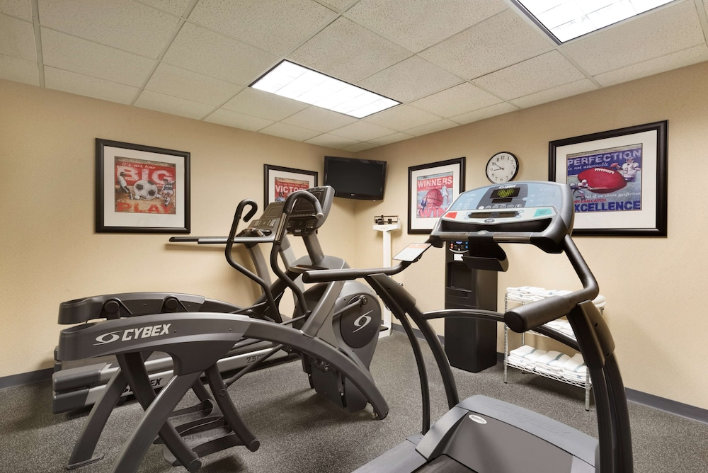 Fitness Facility, Country Inn & Suites by Radisson, Evansville, IN