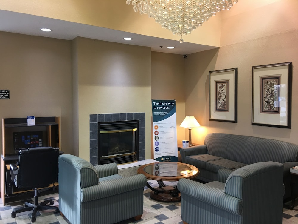 Lobby Sitting Area, Quality Inn Kalamazoo