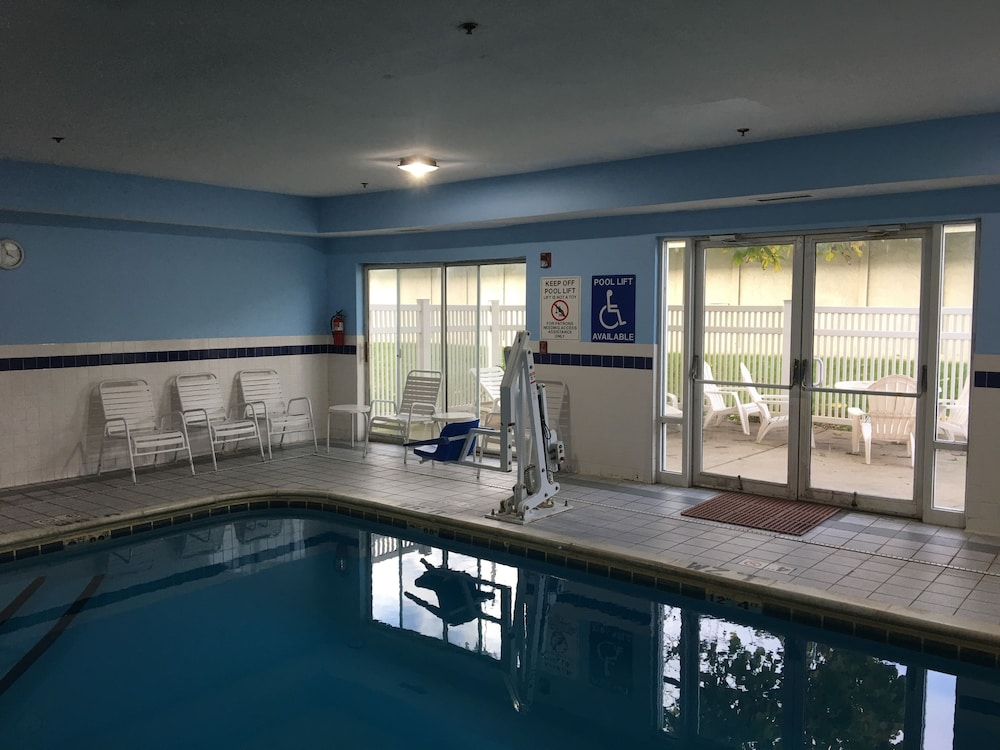 Indoor Pool, Quality Inn Kalamazoo