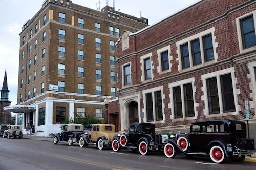 Check Expedia for Availability of Landmark Inn