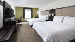 Hypo-allergenic bedding, in-room safe, desk, blackout drapes