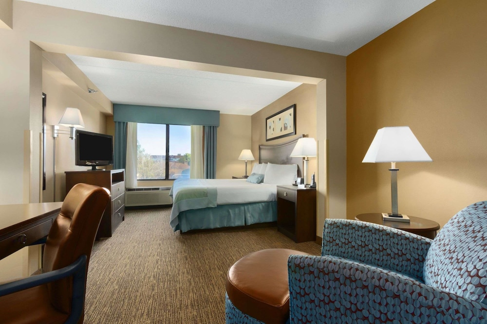 Room, Wingate by Wyndham Fayetteville