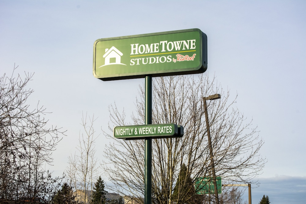 Exterior, HomeTowne Studios by Red Roof Salem, OR