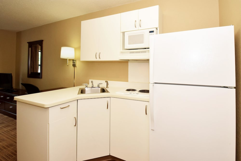 Private Kitchen, Extended Stay America - Houston - Greenway Plaza