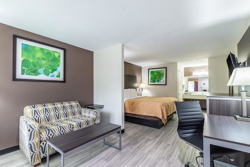 Quality Inn & Suites Canton