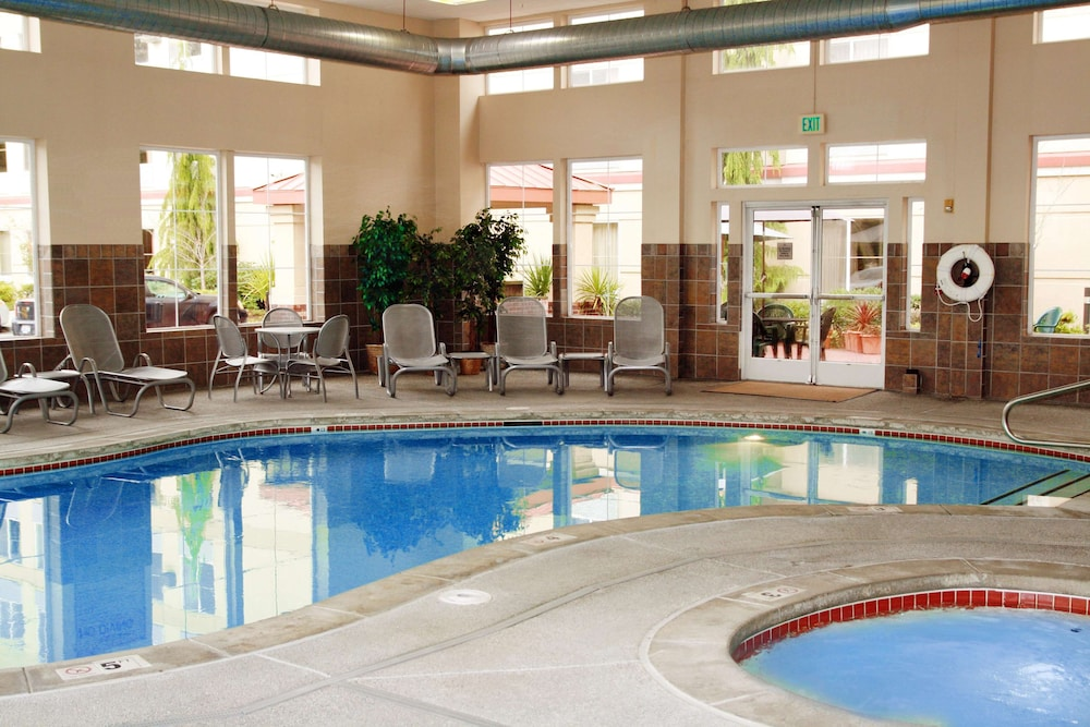 Pool, Hampton Inn & Suites Seattle North - Lynnwood
