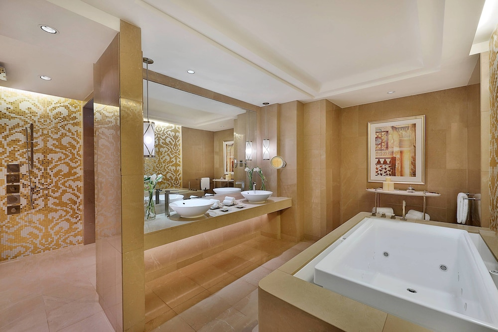 Bathroom, The Ritz-Carlton, Dubai