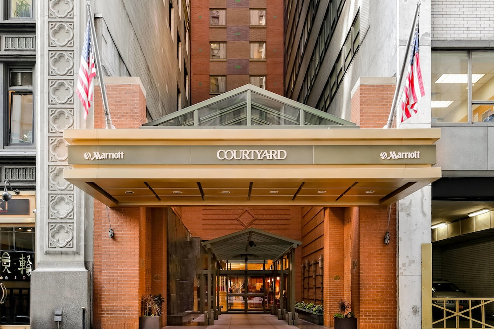 courtyard by marriott new york manhattan times square in. Black Bedroom Furniture Sets. Home Design Ideas