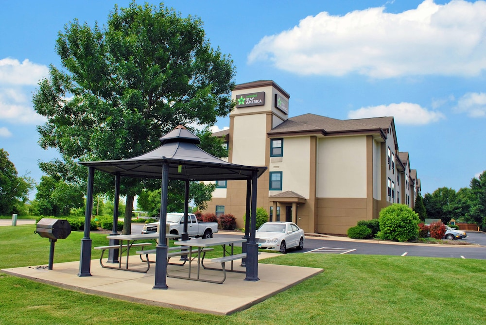Terrace/Patio, Extended Stay America - St. Louis - O' Fallon, IL