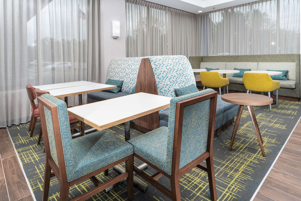 Breakfast Area, Hampton Inn Swedesboro Philadelphia