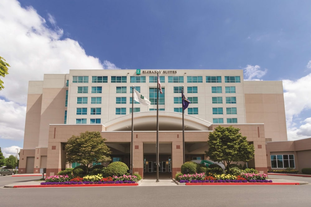 Featured Image, Embassy Suites Portland Airport