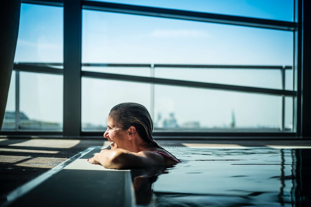 Pool, Grand Hyatt Berlin