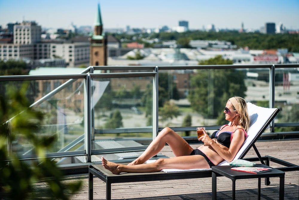 Sundeck, Grand Hyatt Berlin