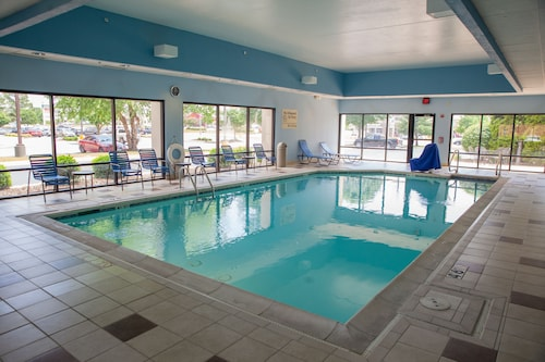Great Place to stay Hampton Inn Bentonville Rogers near Rogers