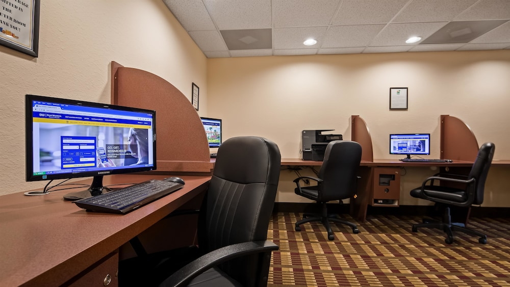 Business Center, Best Western Gateway Grand