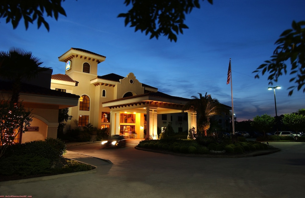 Front of Property - Evening/Night, Best Western Gateway Grand