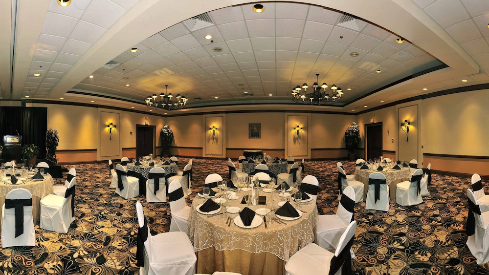 Banquet Hall, Best Western Gateway Grand