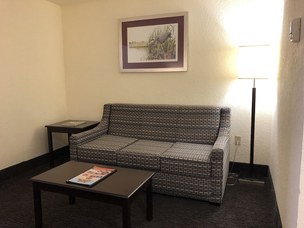 Living Area, Best Western Gateway Grand