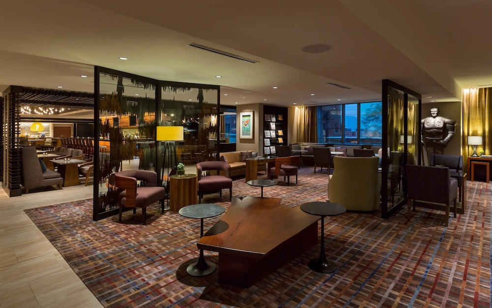 Book hyatt chicago magnificent mile chicago hotel deals for Chicago hotel deals