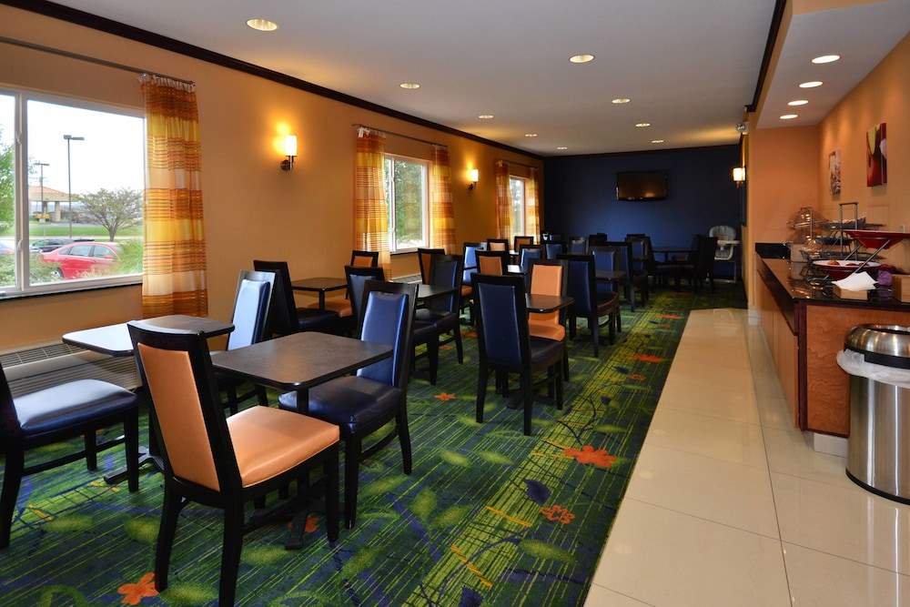 Restaurant, Fairfield Inn & Suites by Marriott - Jefferson City