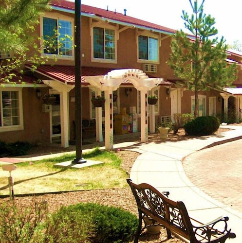 Front of Property, Santa Fe Suites