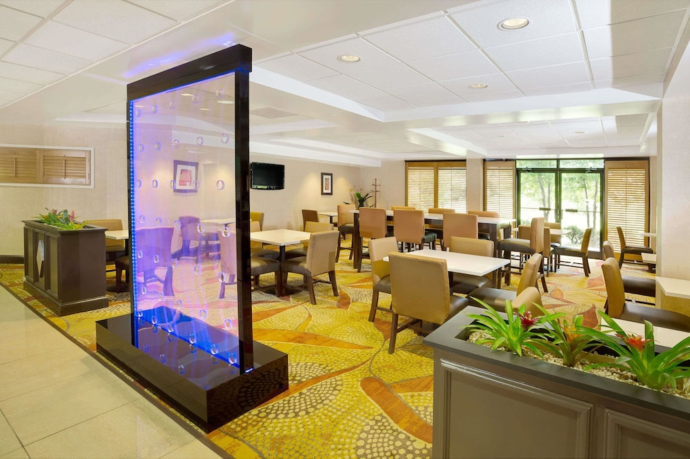 Lobby, Wingate by Wyndham Raleigh Durham Airport RTP