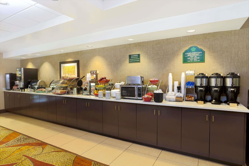 Breakfast Area, Wingate by Wyndham Raleigh Durham Airport RTP