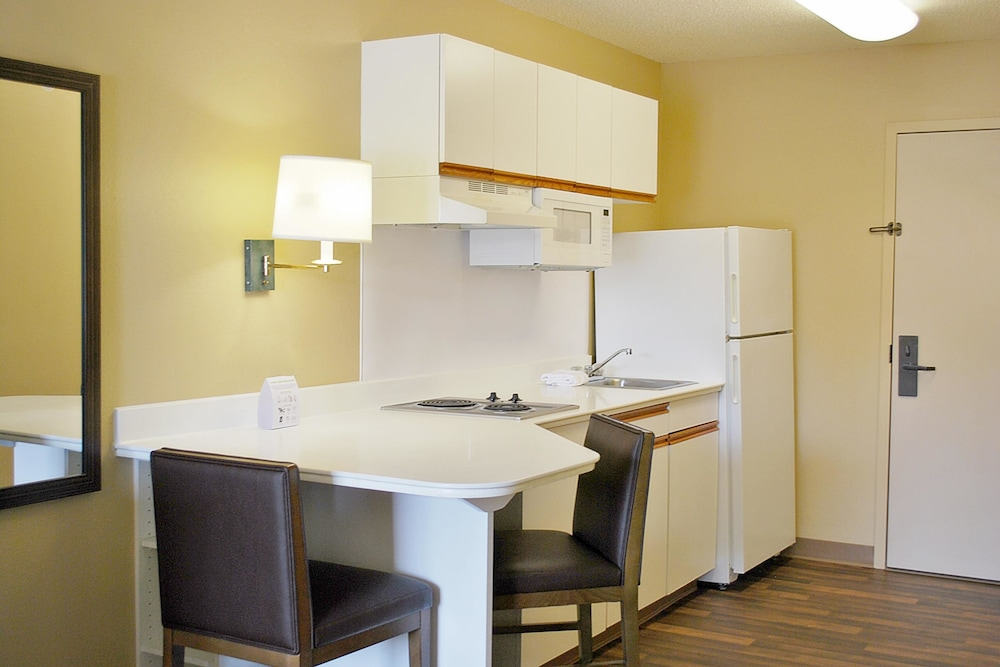 Private Kitchen, Extended Stay America Houston - Galleria - Uptown