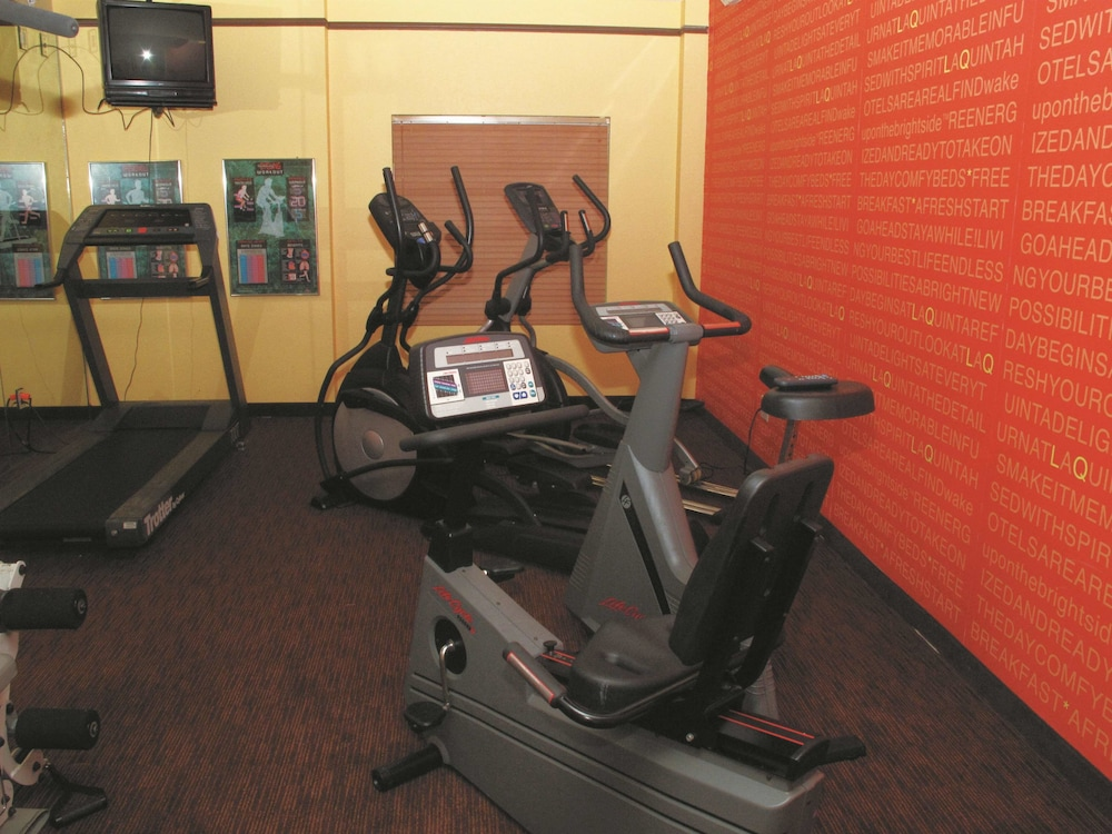 Fitness Facility, La Quinta Inn & Suites by Wyndham Memphis Primacy Parkway