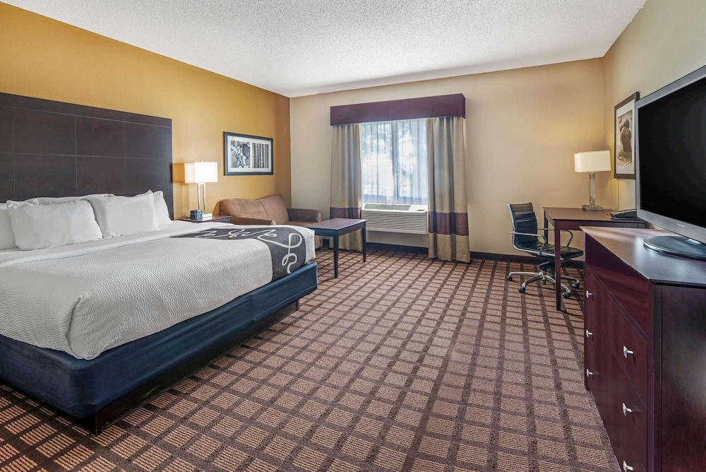 Room, La Quinta Inn & Suites by Wyndham Bonita Springs Naples N.