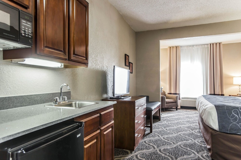 Room, Comfort Suites Pineville - Ballantyne Area